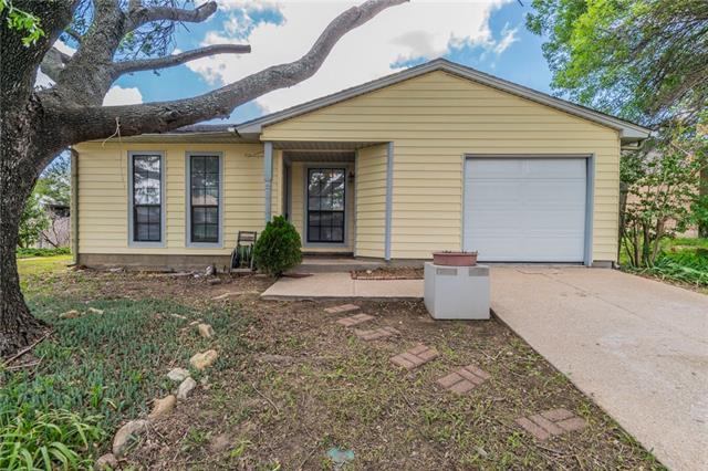 Photo of 4228 Pepperbush Drive  Fort Worth  TX