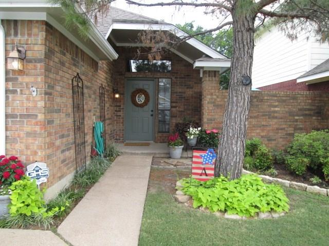 Photo of 6933 Driffield Circle  North Richland Hills  TX