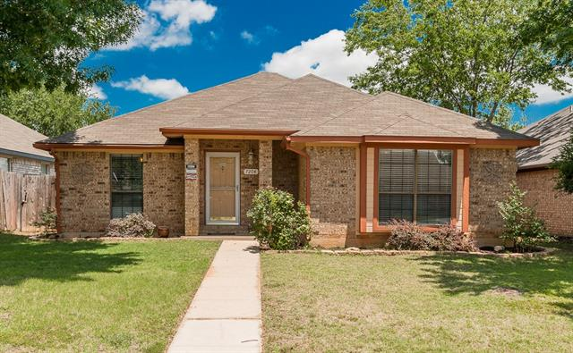 Photo of 7204 Indiana Avenue  Fort Worth  TX