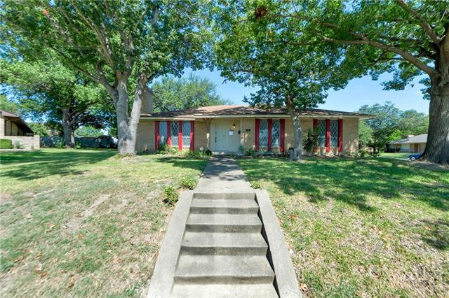 Photo of 801 Oakbluff Drive  Lancaster  TX