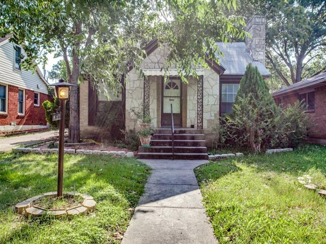 Photo of 813 Cliffdale Avenue  Dallas  TX