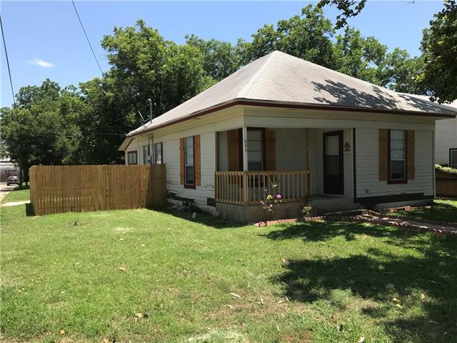 Photo of 826 N Wilhite Street  Cleburne  TX