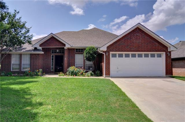 Photo of 807 Auburndale Drive  Mansfield  TX