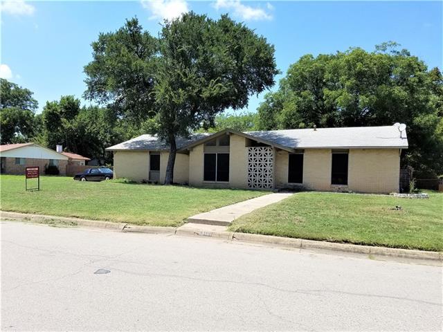 Photo of 5101 Queen Ann Drive  Forest Hill  TX