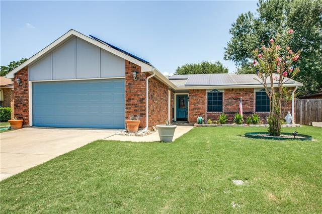 Photo of 7312 Sorrell Court  Fort Worth  TX