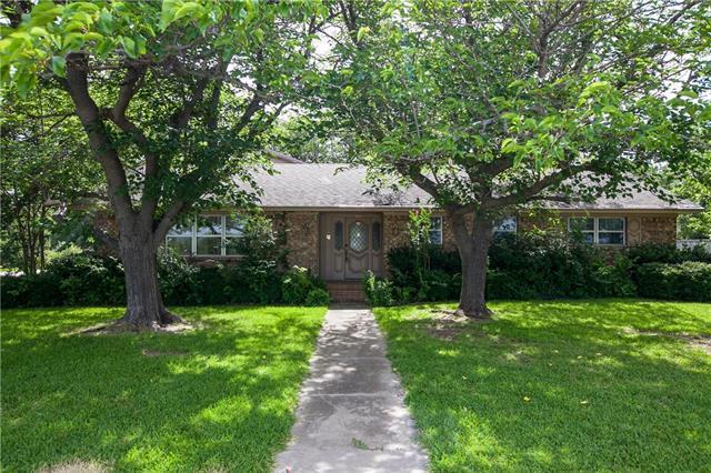Photo of 924 N Bonnie Brae Street  Denton  TX