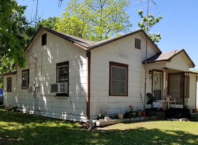 Photo of 900 W Coffin Street  Denison  TX