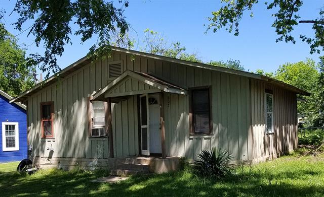 Photo of 907 W Ford Street  Denison  TX
