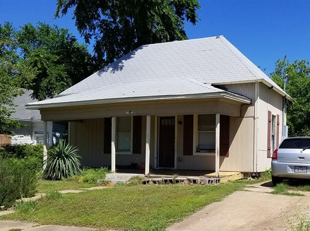Photo of 721 W Hull Street  Denison  TX
