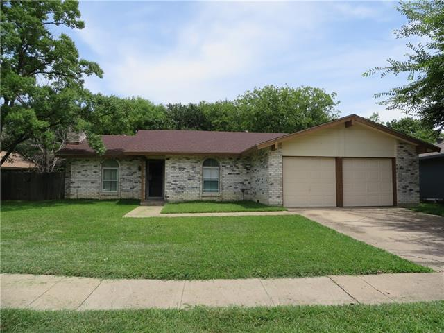 Photo of 1805 Guinevere Street  Arlington  TX