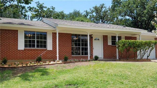 Photo of 4 Somerset Terrace  Bedford  TX