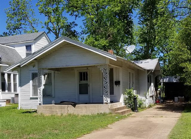 Photo of 111 W Murray Street  Denison  TX