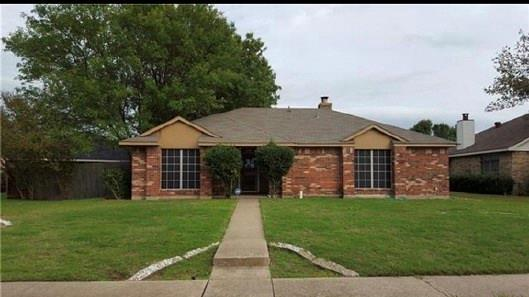Photo of 1365 Roan Drive  Lancaster  TX