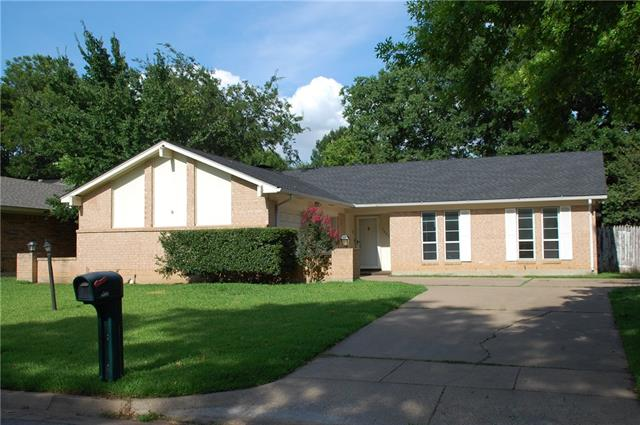 Photo of 3827 Glenbrook Drive  Arlington  TX