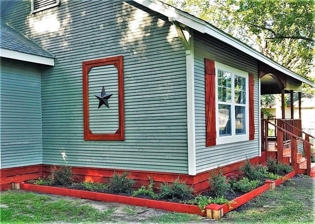 Photo of 604 W 10th Street  Bonham  TX