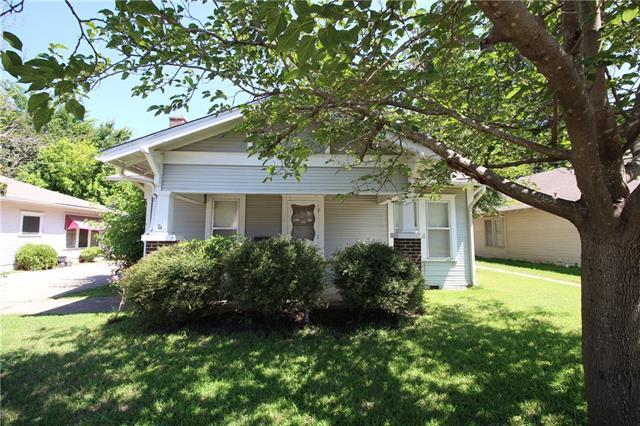 Photo of 114 Scurlock Avenue  Cleburne  TX