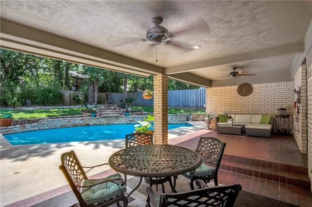 3908 Ashbury Lane, Bedford, Texas