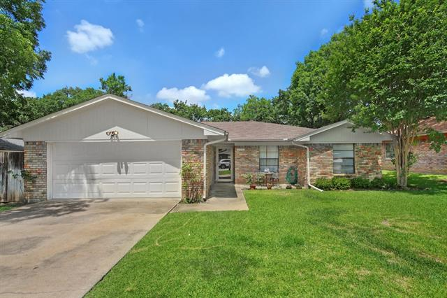 Photo of 2717 Meadow Green  Bedford  TX