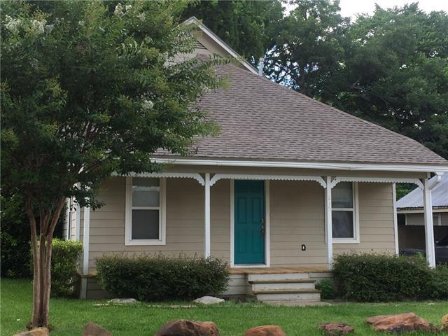 Photo of 215 N Hawkins Street  Waxahachie  TX