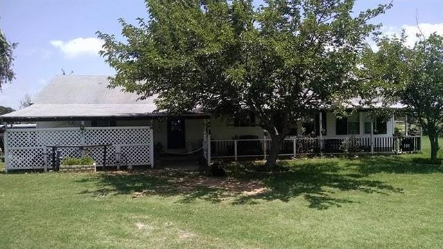 Photo of 1035 Summit Drive  Springtown  TX