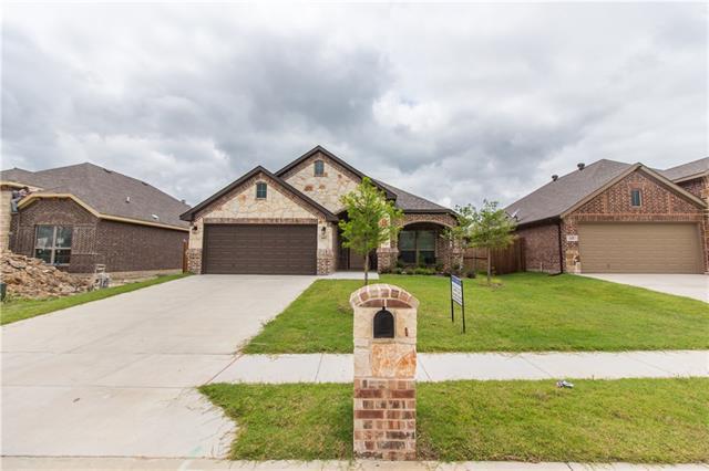 Photo of 207 Carson Drive  Waxahachie  TX