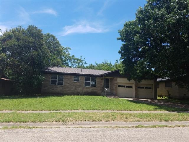 Photo of 1705 Virginia Place  Cleburne  TX