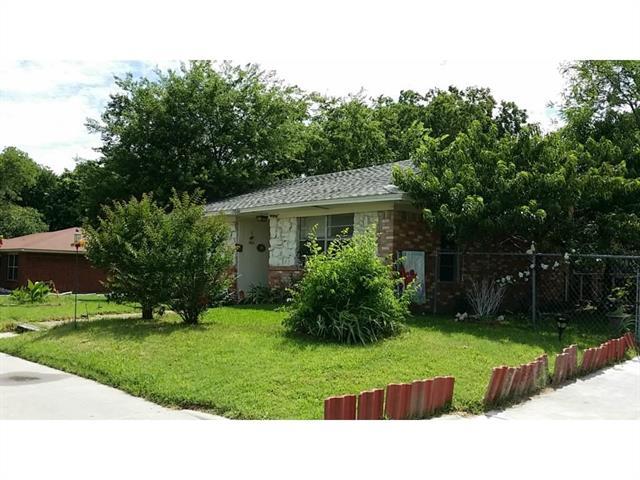 Photo of 1300 S Rockwall Avenue  Terrell  TX