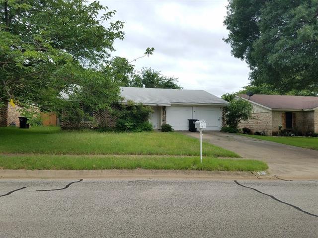 Photo of 1405 Roberts Avenue  Cleburne  TX