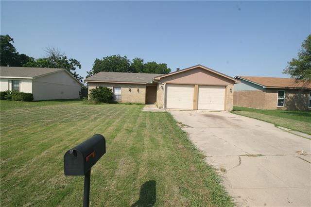 Photo of 1128 E Georgian Road  Saginaw  TX