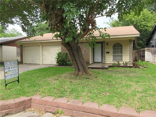 Photo of 2916 Louis Street  Fort Worth  TX