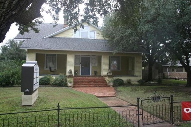 Photo of 334 N Main  Jacksboro  TX