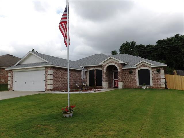 Photo of 225 Wellington Trail  Weatherford  TX
