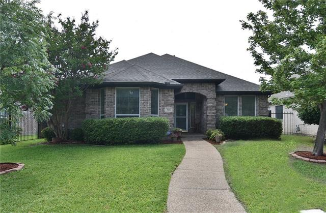 Photo of 7112 Deer Hollow Drive  Fort Worth  TX