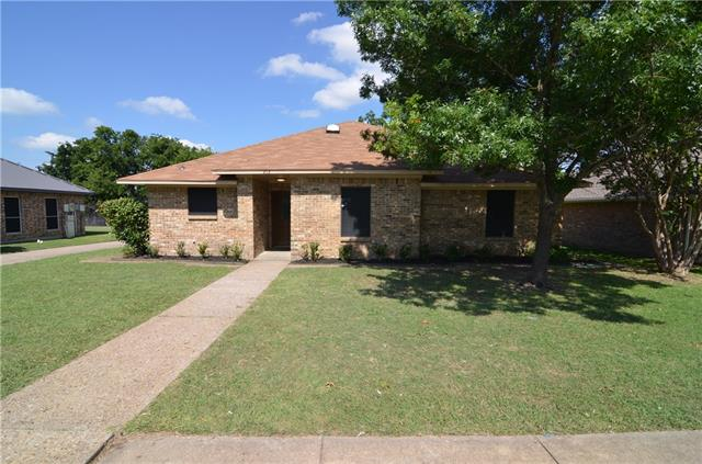 Photo of 212 Spence Drive  Wylie  TX