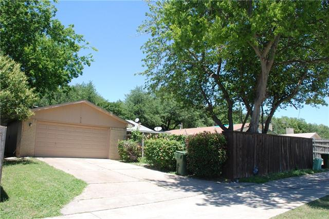 Photo of 418 Thistle Drive  Garland  TX