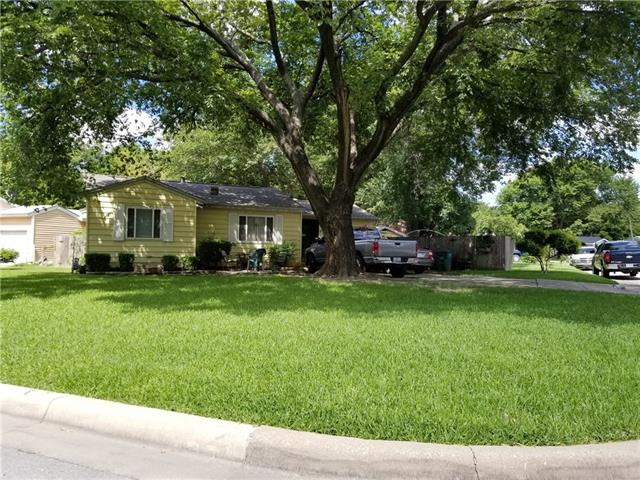 Photo of 5260 Westcrest Drive  Fort Worth  TX