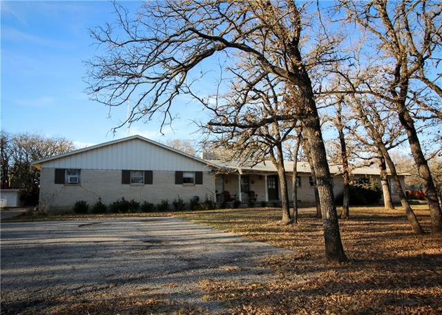 Photo of 1533 E Henderson Street  Cleburne  TX