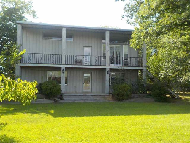 Photo of 282 County Road 3172  Clarksville  TX