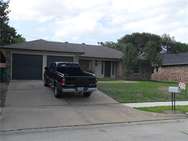 Photo of 5613 Chesapeake Street  Watauga  TX