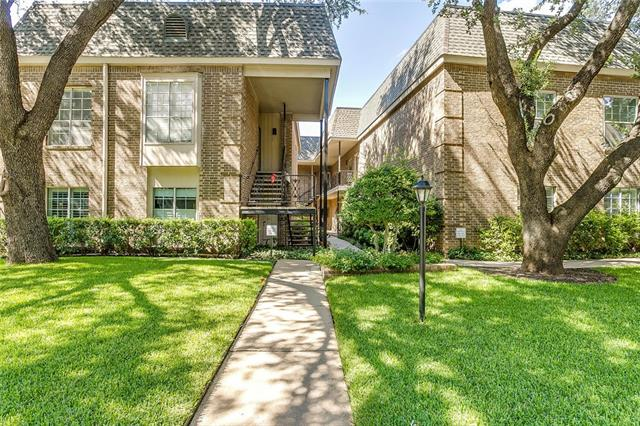 Photo of 4420 Harlanwood Drive  Fort Worth  TX