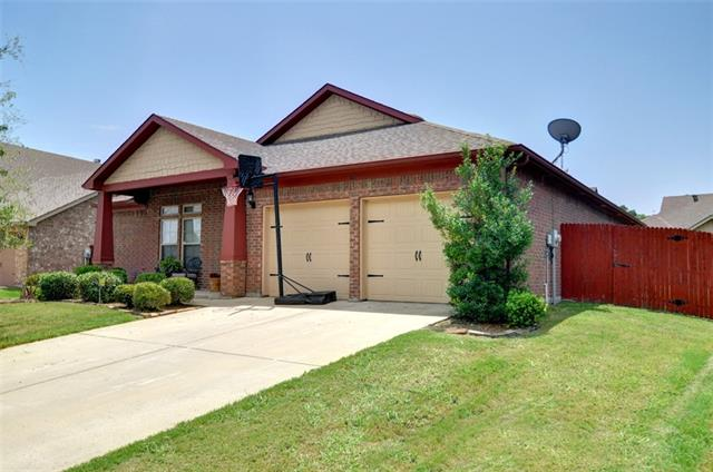 Photo of 521 Sterling Drive  Benbrook  TX