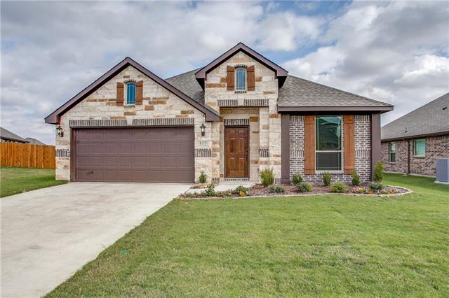 Photo of 512 Cottage Place  Lavon  TX