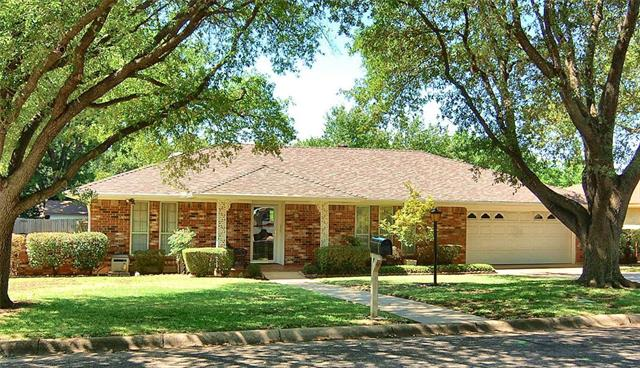 Photo of 1706 Kingsborough Drive  Arlington  TX