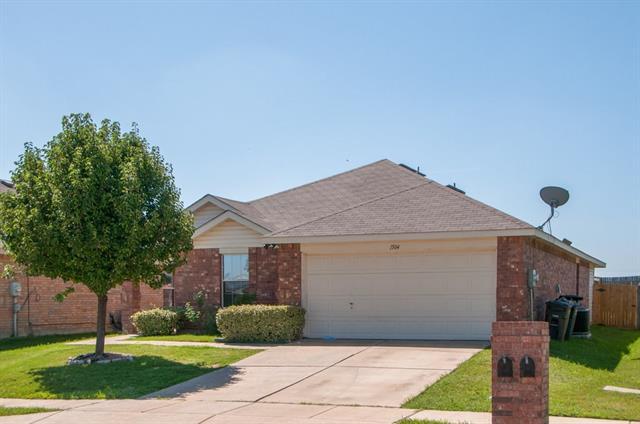 Photo of 1504 Castle Ridge Road  Fort Worth  TX
