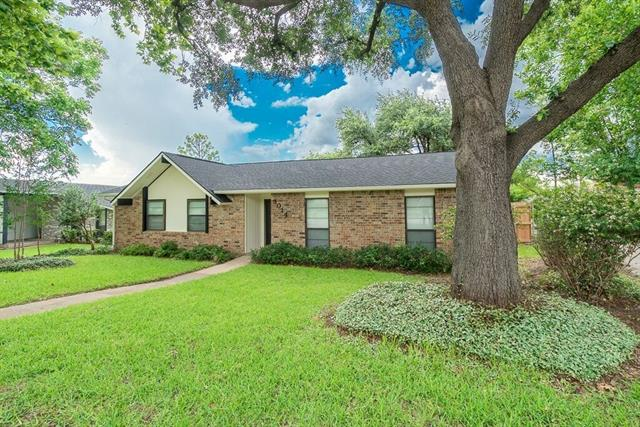 Photo of 3014 Ravine Trail  Carrollton  TX