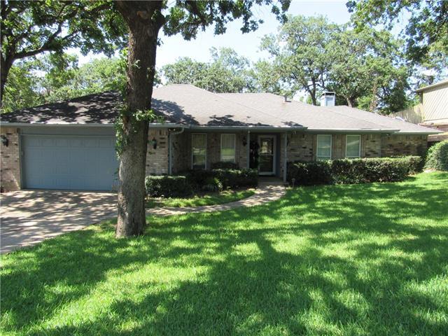 Photo of 2207 Oakwood Lane  Arlington  TX