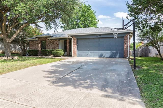 Photo of 1608 Oxford Drive  Mansfield  TX