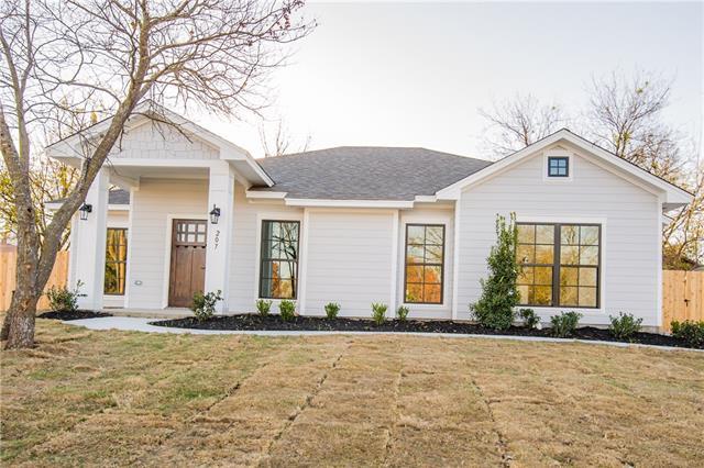 Photo of 207 Dewberry Street  Waxahachie  TX