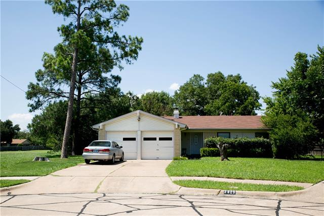 Photo of 3829 Crater Lake Court  Irving  TX