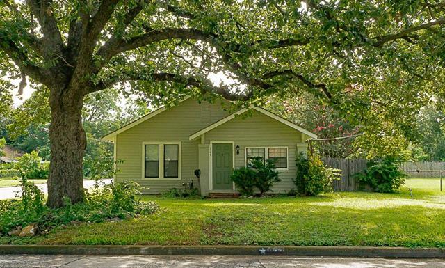 Photo of 827 Magnolia Street  Arlington  TX